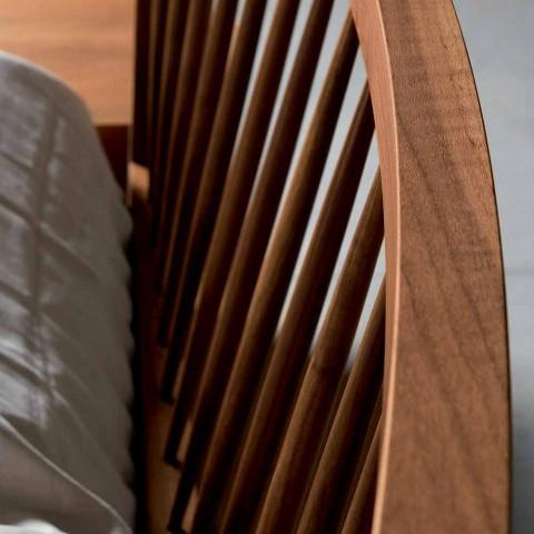 Design tweepersoonsbed 160x200cm met solide Alain-voetnoten onderstel