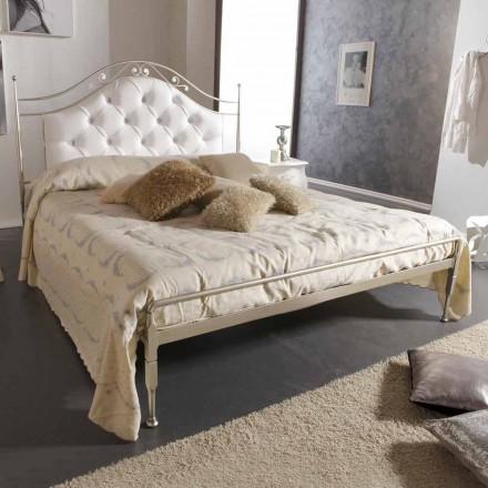 Gestoffeerd dubbel bed met de hand gemaakt in massief ijzer Gracie