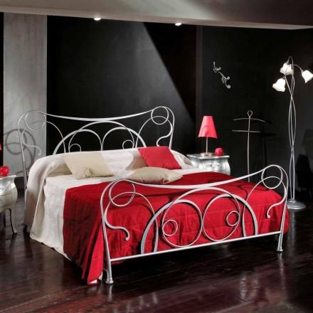 Dubbel bed in ijzer ambachtelijke met kegelvormige benen Zoe