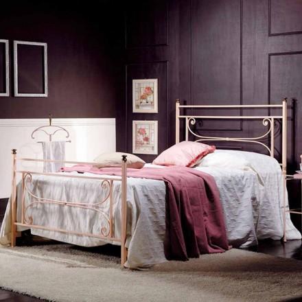Volledige bed en een half vierkante smeedijzeren gehamerd Claudia
