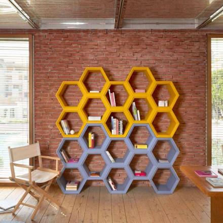 Slide Hexa gekleurde boekenwand in Italië