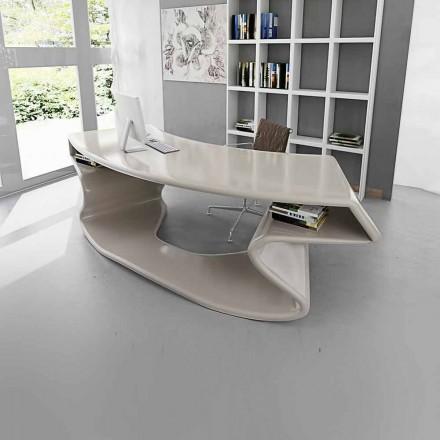 Bureautafel ontworpen in Italië, Tignale