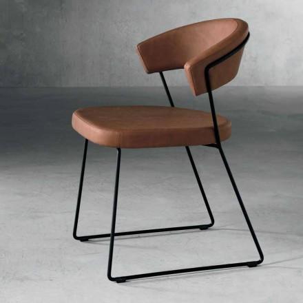Design stoel in metaal en stof geproduceerd in Formia, Italië