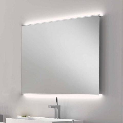 Badkamerspiegel met een modern design LED-licht met berijpte randen Veva