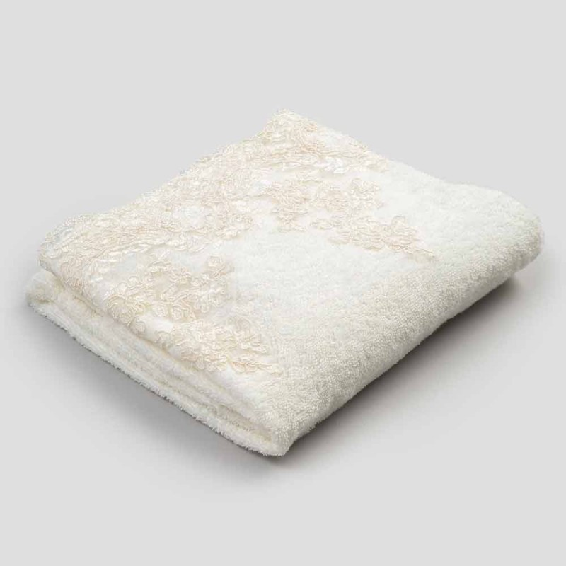 Katoenen badhanddoek met linnenmix en kant - Ginova